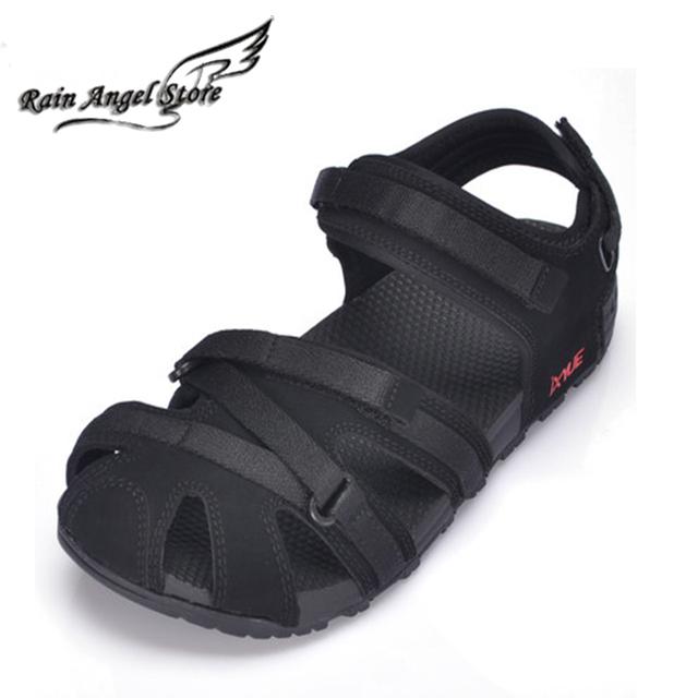 Vietnamita Zapato Nuevo Diseño de Los Hombres Ocasionales de verano Sandalias Al Aire Libre Sandalias Chinelo masculino De Goma Punta Estrecha Sandalias Huecos