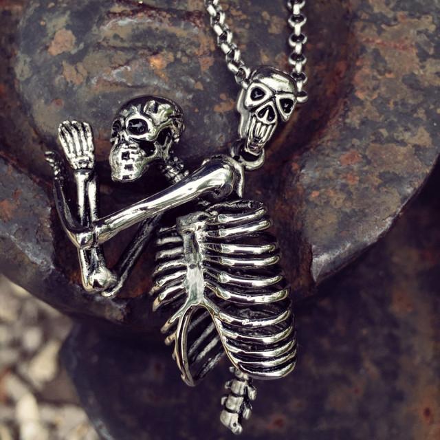 3D Esqueleto Pingente Colares colar Do Punk Esqueleto crânio pingente Jóia dos homens de aço de titânio Colar de Pingente de Aço Inoxidável