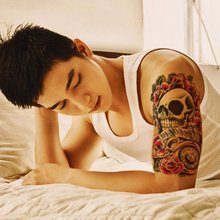 1PCS Waterproof Tatoos 3D Skull And Flower Tattoo Body Art Beauty Makeup Temporary Tattoo Stickers On The Arm Men Sexy Product
