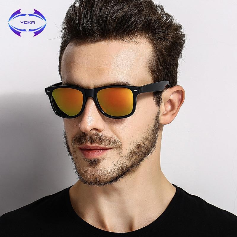Ausgezeichnet Sonnenbrille Mit Drei Punkten Auf Dem Rahmen Bilder ...