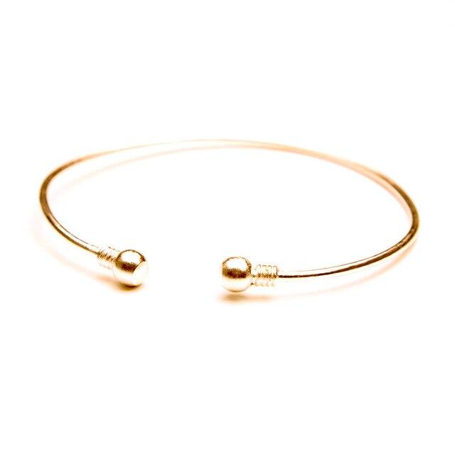 Minimalist Simple Gold...
