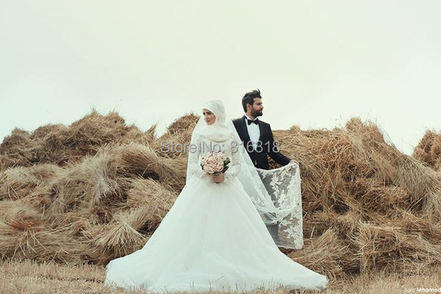 Vintage Arabic Wedding Dress Hijab Long Sleeve Islamic Wedding Gowns Satin 2016 Ball Gown Wedding Dresses Lace Robe De Mariage