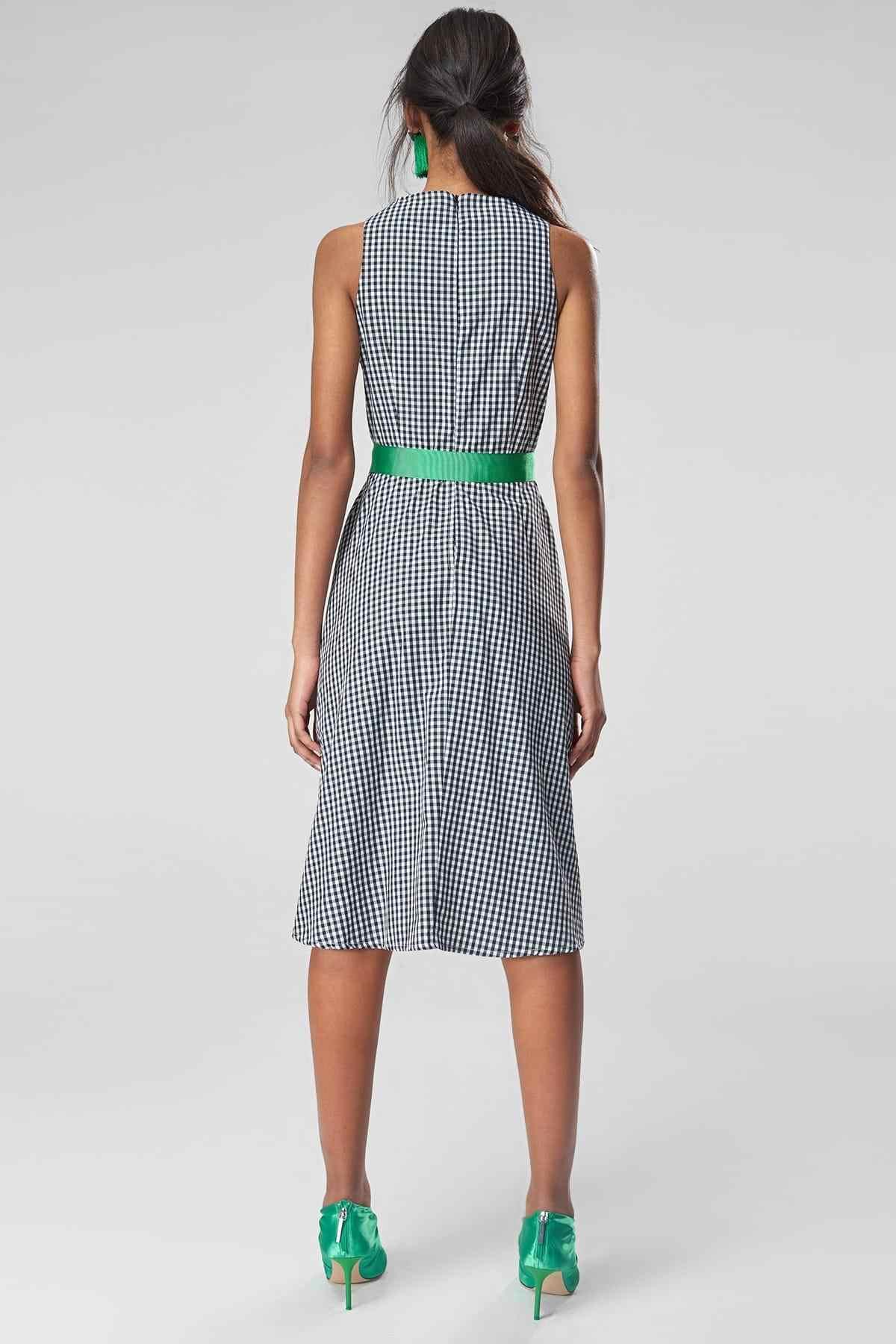 Trendyol черного цвета с клетчатым паттерном Kemerli платье TWOSS19XB0207