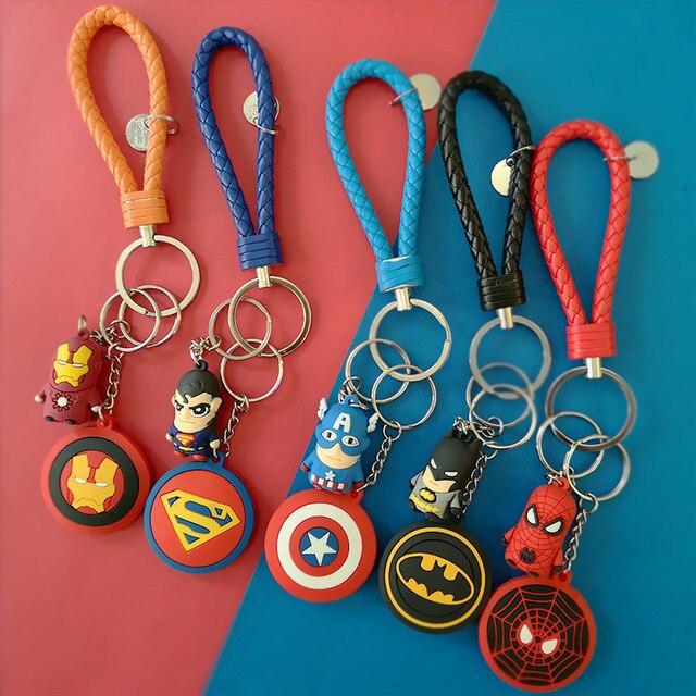 Keychain Filme de Super-heróis Homem-Aranha Homem De Ferro EUA Capitão Escudo e Superman Batman Borracha Macia Chave Presente de Fivela Gancho corrente chave
