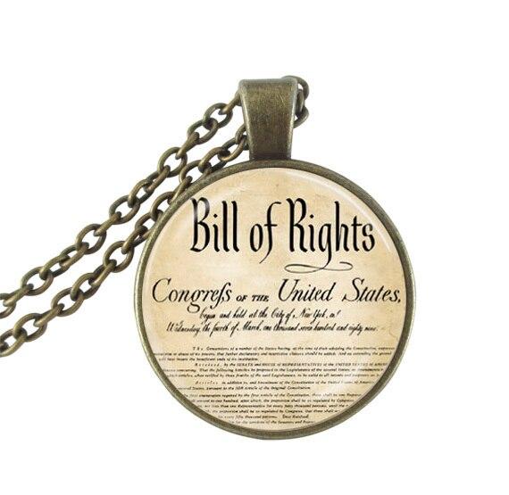 Соединенные Штаты перечень права изображение Цепочки и ожерелья США Конституции Отечественной Американский Книги по искусству кулон Цепо... ...