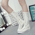 Mulheres botas de lona Das Mulheres Casuais Apartamentos Sapatos de Plataforma rebites Moda Feminina Cut-Out Mulheres Botas Mid-Calf 10d17