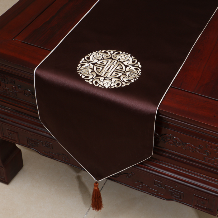 Elegant Fine Embroidered Damask Table Runners Dining Table Mat - Discount table pads