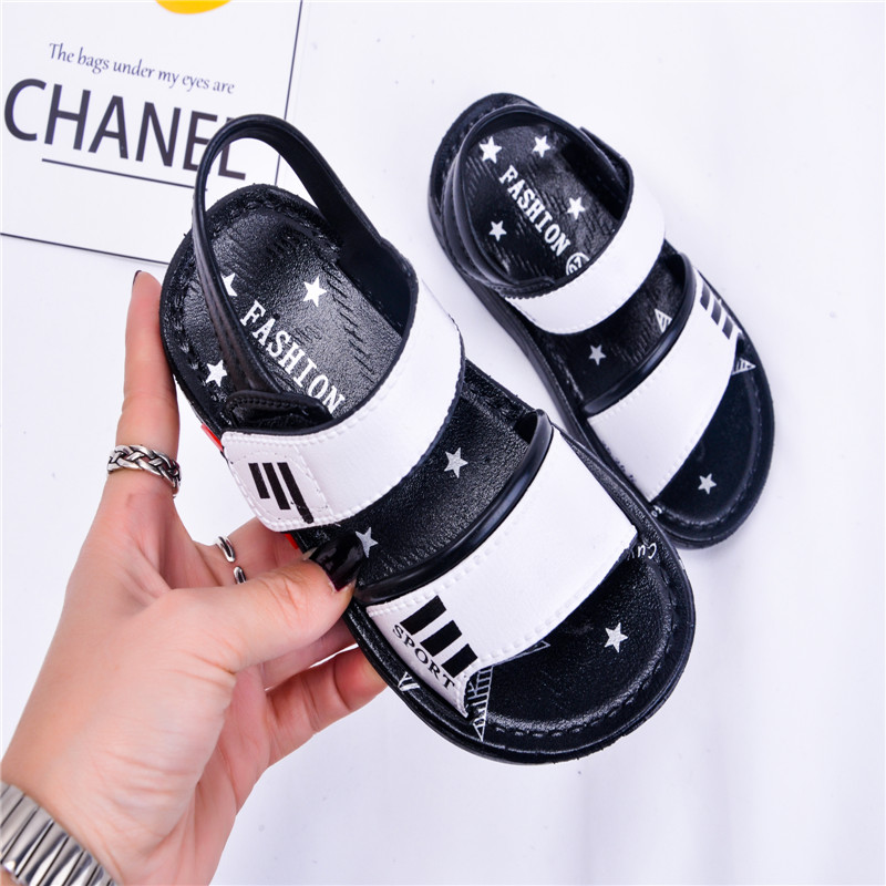 Boy child college students antiskid shoes wear comfortable beach shoes kids sandals in the summer flat shoes