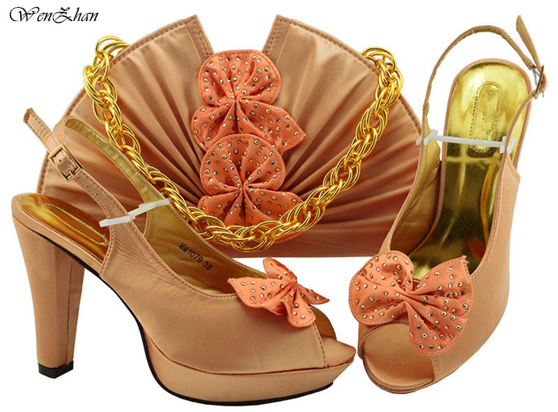 Ladies Italian Shoes And Bag Set Decorated With Flower Pretty Peach Party Pumps African Shoes and Bags Matching Sets B811-24Ladies Italian Shoes And Bag Set Decorated With Flower Pretty Peach Party Pumps African Shoes and Bags Matching Sets B811-24