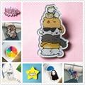 Kawaii Harajuku Icon CAT FAMILY Badge Acrylic Brooch For Women/Man Clothes Badge Decorative Rozet Collar Scarf Lapel Pin Broach