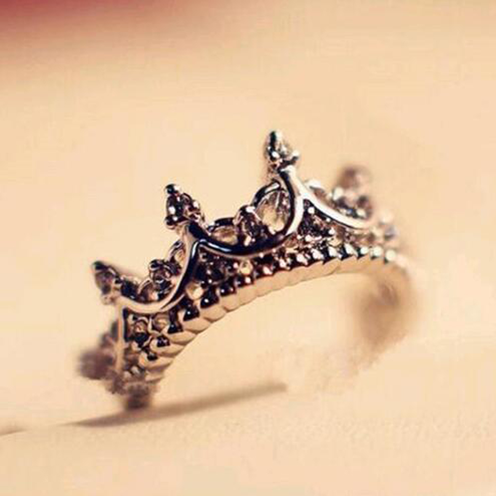 Beauty-inside Fashion Vintage Silver Crystal Drill Hollow Crown Shaped Queen Temperament Rings for Women Party Wedding Ring Jewelry