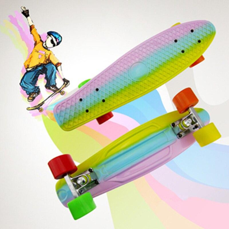 Livraison gratuite enfants Scooter Mini croiseur Style planche à roulettes pont complet en plastique Mini Skate longue planche planche à roulettes