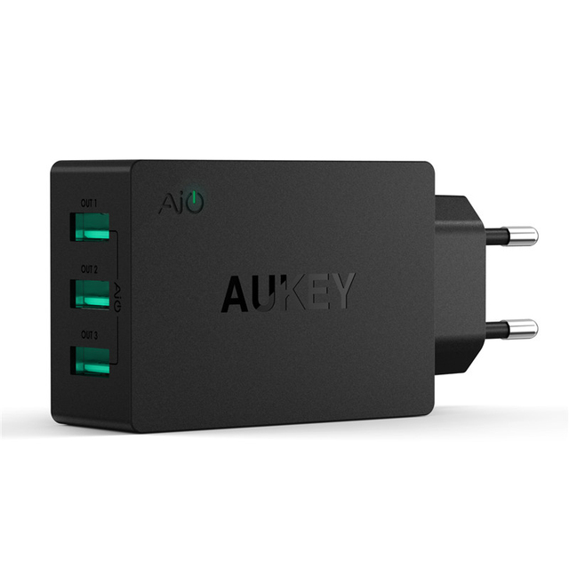 AUKEY 30W/6A USB Travel Multi Ports USB Wall Charger Adapter with AiPower Adaptive Charging Tech & Foldable Plug for iPhone 6S 6