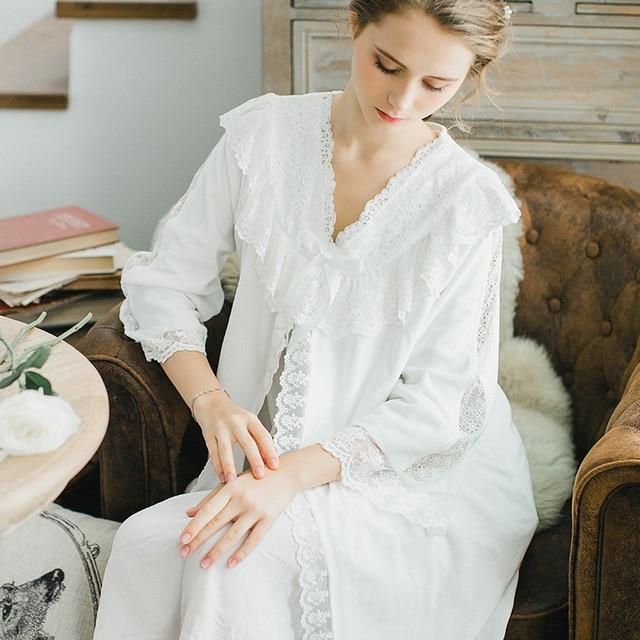 New High Quality Women Lace Flannel Princess Bow Nightgown Ladies Vintage Sleepwear Women Nightwear French Style Dress QW1714
