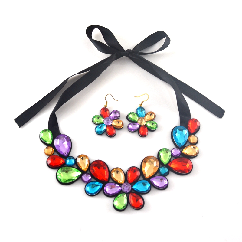 hlkt wholesale Deserve to act the role of short chain necklace with female fashion exaggerated acrylic resin decorations