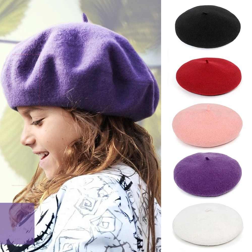 Детская одежда для девочек однотонная Цвет французский берет шапка, сезон осень-зима теплая шерсть модная Beanie Кепки для детей