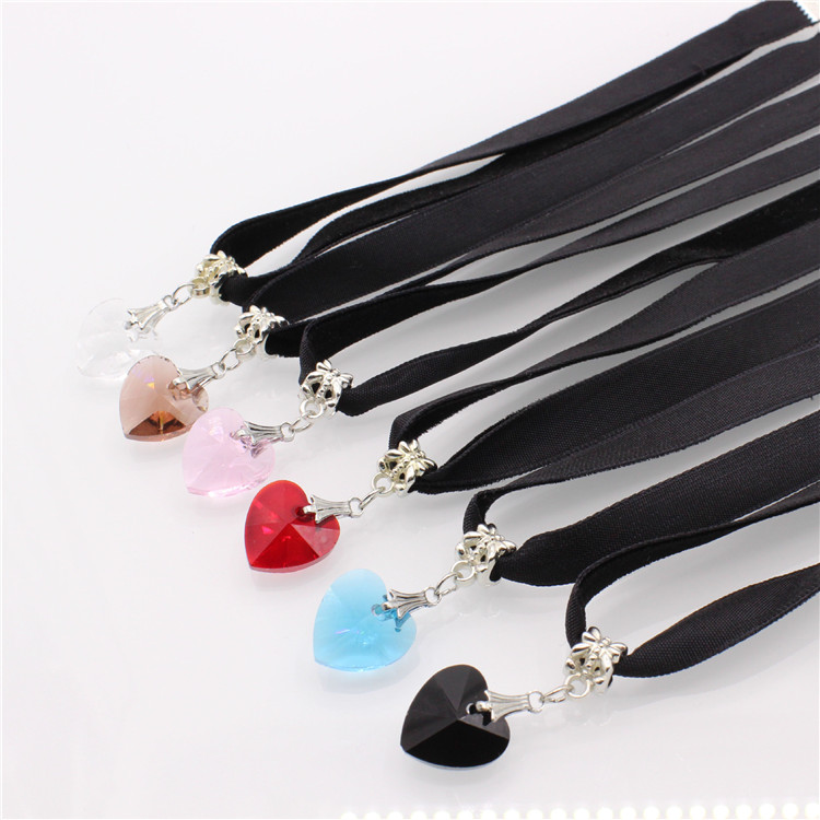 HTB1aYaFQFXXXXaVaXXXq6xXFXXXH - New Fashion Woman Velvet Choker Heart Crystal Pendant Necklaces For Women Jewelry Female Black Ribbon Necklace Party Gift Collar