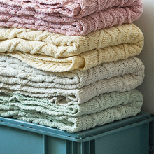 цена на New chenille knitted blankets, casual home furnishings, car naps, spare blankets