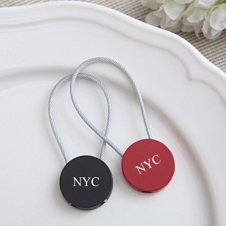 50 шт. персонализированные Свадебная вечеринка подарки для гостей, красные, черные брелок пользу с логотипом, индивидуальные день рождения С…