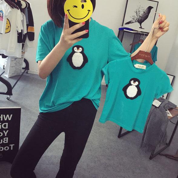 Novo 2016 Set família Fashion pacote pai e filho de algodão T - shirt roupas mãe e filhos combinando pinguim T shirt Tops