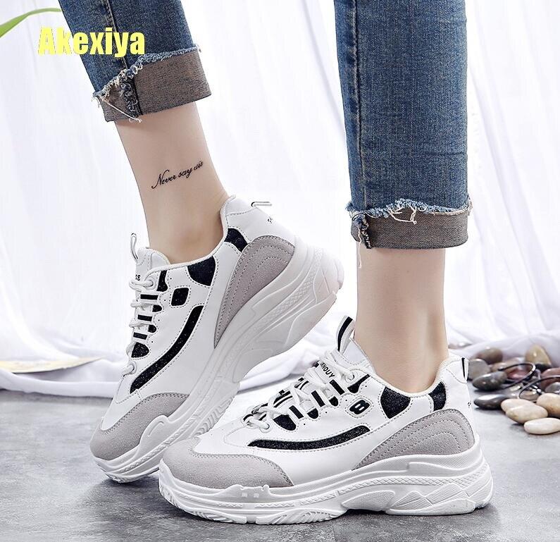 Akexiya אופנה נשים מגופר נעלי נשי טריז סניקרס גבירותיי שרוכים נעליים יומיומיות לנשימה עבה תחתון הליכה נעליים