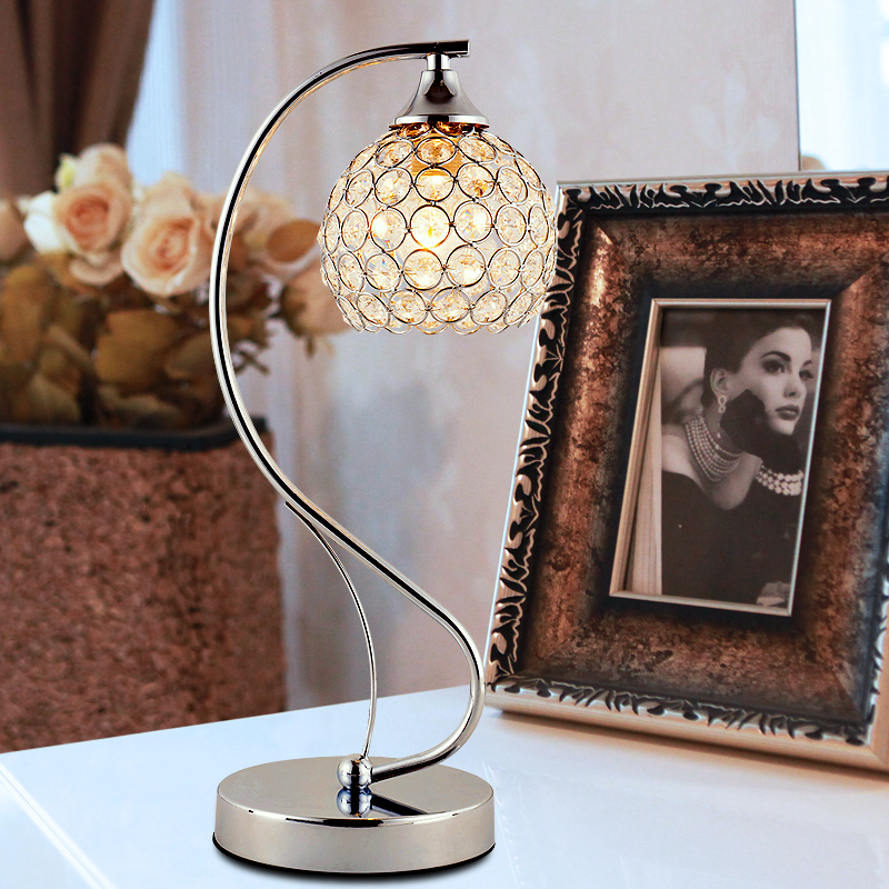 Crystal decorative table lamp warm bed bedroom living room modern simple fashion touch adjustable light special desk lamp