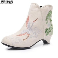 2018 Elegant Women Boots Crane Floral Embroidery Med Heel Comfort Autumn Woman Ankle Boots Short Booties Shoes