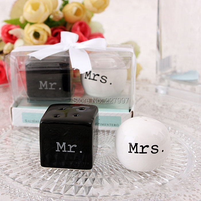 Free Shipping 200pcslot100sets Newest Wedding Favors Mr Mrs