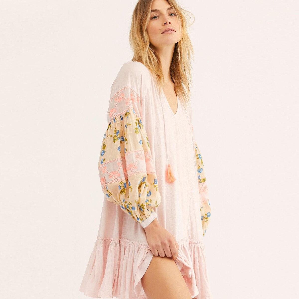 Jastie Boho Broderie Mix Imprimer à manches longues robe pour femme Col V avec Gland Mini Robes À Volants Ourlet décontracté robe de plage Robes