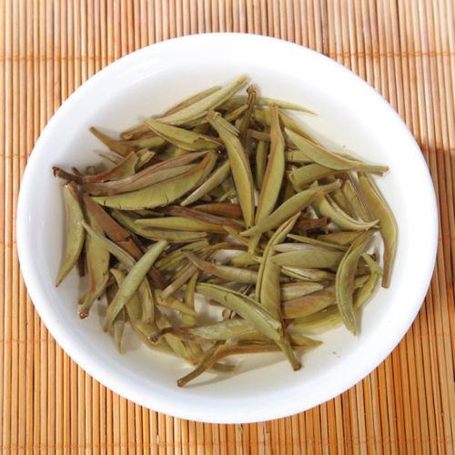 Organic Bai Hao Yin Zhen White Tea Cake 4