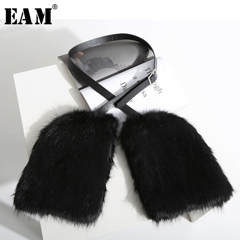 [EAM] 2019 New Spring Summer Black Fur Split Joint Personality Leather Bandage Keep Warm Gloves Women Fashion Tide JK856