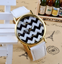 Классический Женева Platinum «зиг-заг» Ретро Старинные наручные часы женщины Повседневная корейский Кварцевые часы