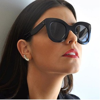 2017 أزياء النظارات الشمسية العلامة التجارية مصمم خمر النظارات الإناث برشام ظلال إطار كبير نمط النظارات
