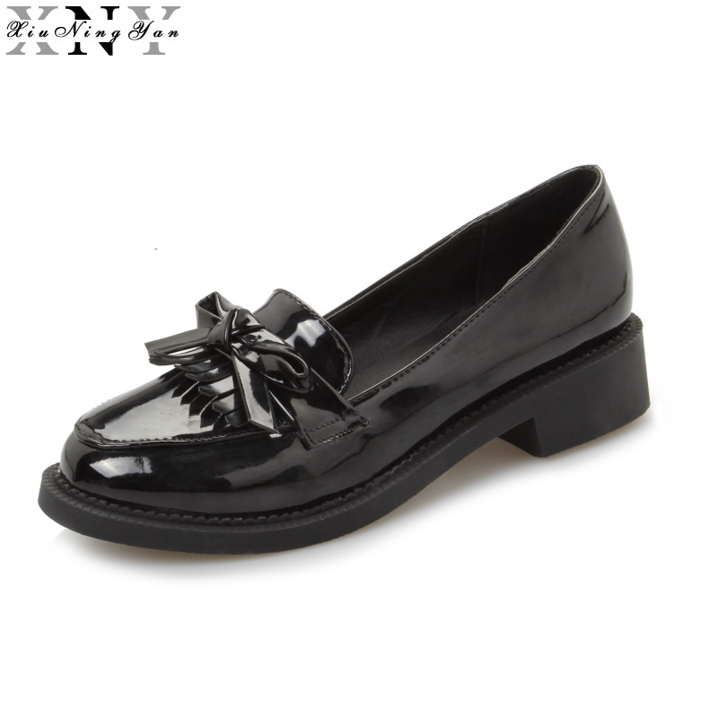 XIUNINGYAN Women Flats Loafers Fringe Shoes Patent Leather Oxfords Shoes Round Toe Black Red 2017 Platform Shoes for Woman Shoes qmn women crystal embellished natural suede brogue shoes women square toe platform oxfords shoes woman genuine leather flats
