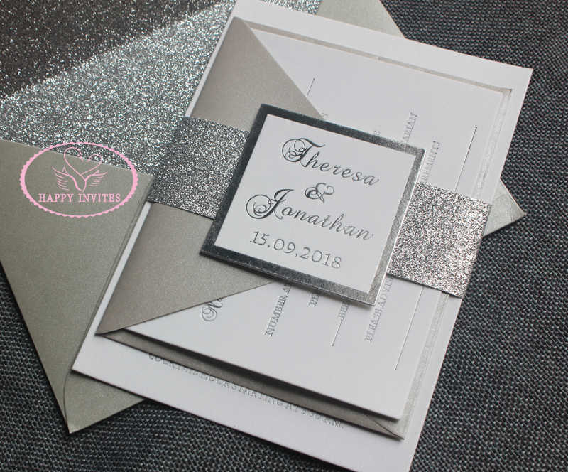 Tarjeta De Invitación De Boda Blanca Y Plateada Hi1122 Con