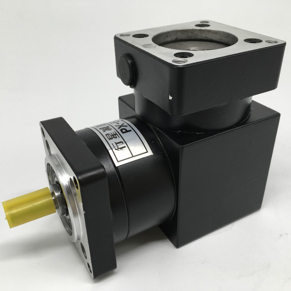 Right Angled Planetary Speed Reducer Gearbox 3 :1 Ratio 90degree Angle Reversing Corner Reducer for NEMA23 57mm Stepper MotorRight Angled Planetary Speed Reducer Gearbox 3 :1 Ratio 90degree Angle Reversing Corner Reducer for NEMA23 57mm Stepper Motor