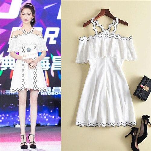 Haute qualité robe blanche mini hors de l'épaule été 2018 princesse sweat loverly robes courtes femmes fête vêtements à volants