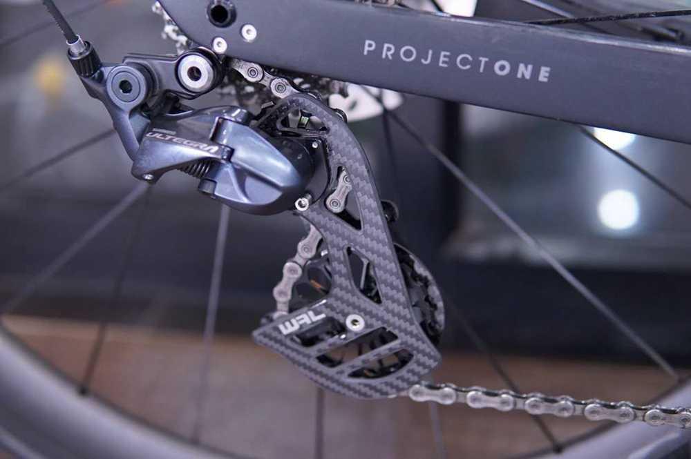จักรยานคาร์บอนไฟเบอร์ด้านหลัง derailleur เซรามิก 17T ลูกรอกล้อสำหรับ 6800 R7000 R8000 R9100 R9000 จักรยานอุปกรณ์เสริม