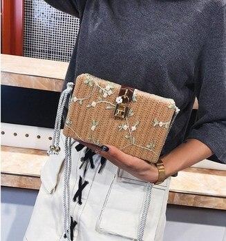 c2695fb4da6b 2018 винтажная женская соломенная сумка с клапаном, женские маленькие сумки  на плечо, летняя кружевная вышивка, Цветочная пляжная сумка, сумк.