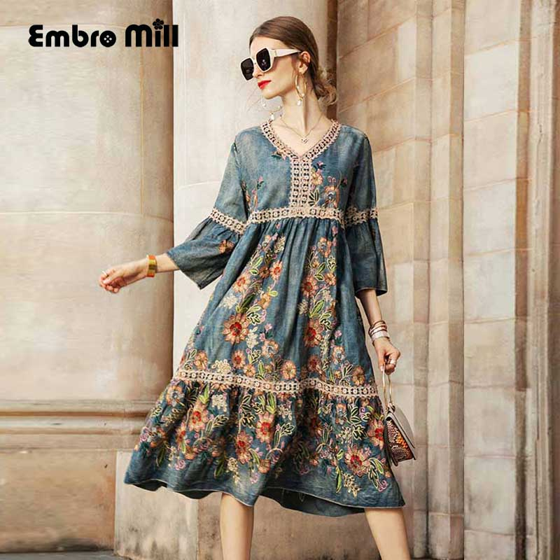 The New Street Style Cotton Embroidery Loose Autumn Dress 2019 Woman V-neck Retro A-line Dress Women S-XL