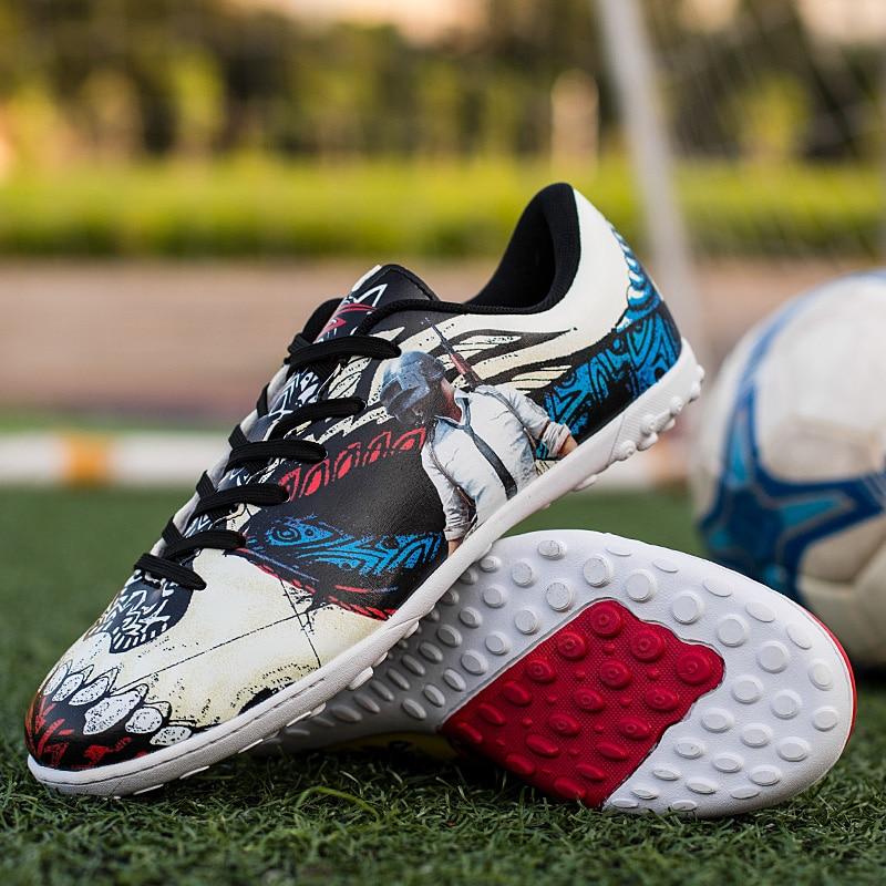 Tamanho 33 44 LEOCI Homens Meninos Caçoa o Futebol Chuteiras Turf Superfly  Chuteiras Sapatos De Futsal TF Quadra Dura sneakers Formadores em Sapatos  de ... 52fa5cf1af600