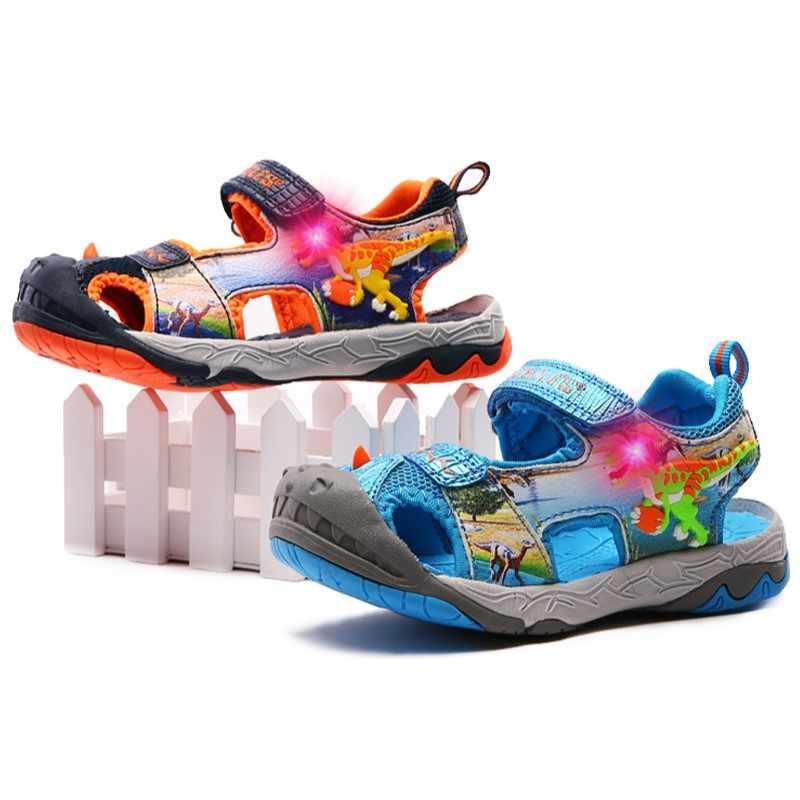 DINOSKULLS דינוזאור סנדלי בני 3-10 T Jongen זוהר LED אור קיץ ילדים של נעלי ספורט בוהן סגור חוף סנדלי