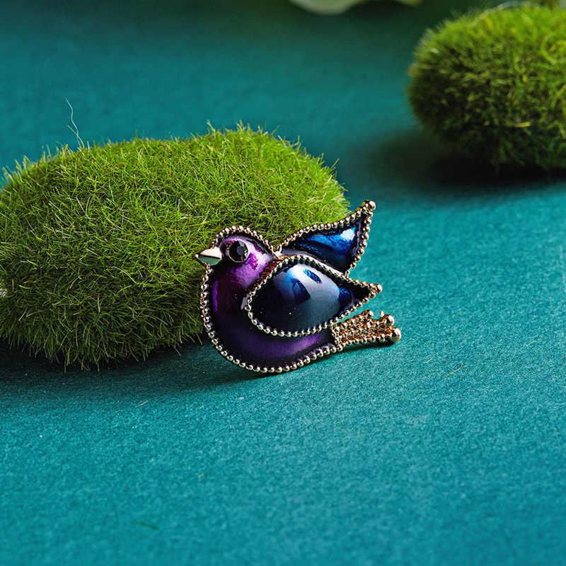 Mimpi Permen Lucu Kreatif Rhinestone Burung Bros untuk Wanita Colorful Enamel Pin Hewan Bros Aksesoris Pria Perhiasan