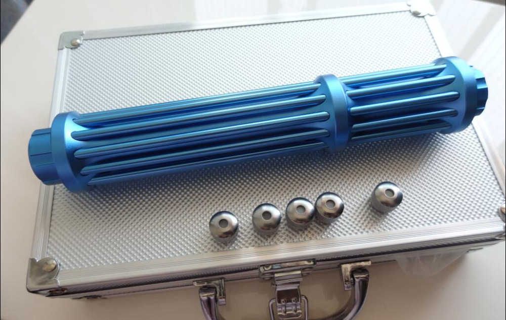 Мощный военный 450nm mw синий лазерный указатель 100000m 100w сжигание матч/сухое дерево/Горит Свеча/ожога черный пластик/сигарета + 5 колпачков