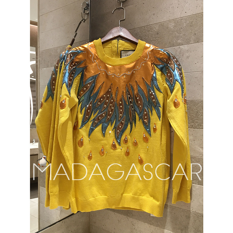 Exquisite beaded metal texture leather embroidered pullover sweater sweater 2018 winter women's long sleeved wool sweater