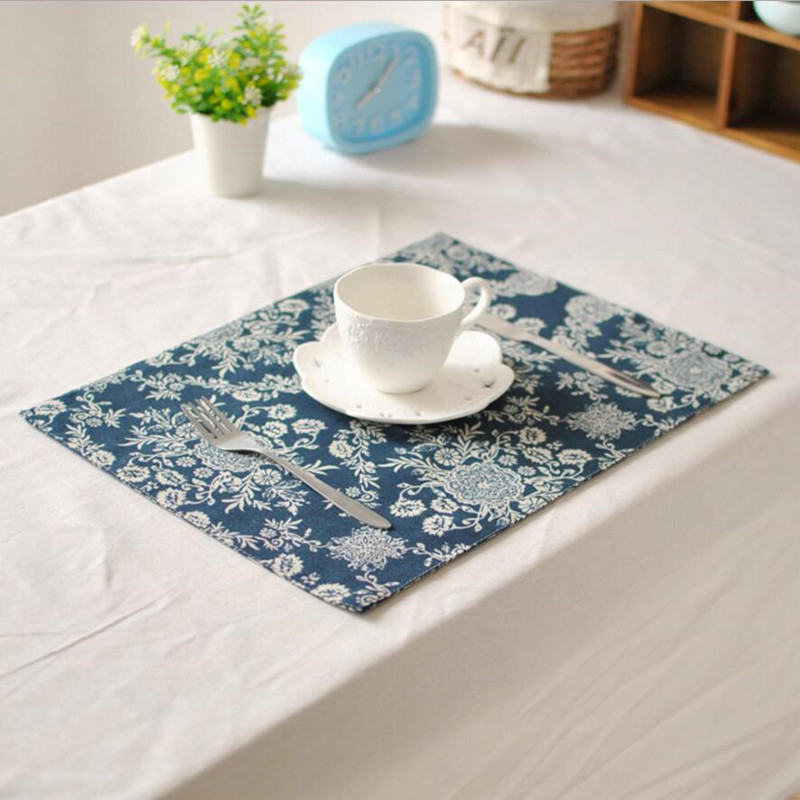 4pcs European Retro Flower pattern placemat table mat Placemats double thick mat non-slip Insulation mat tea coffee coasters