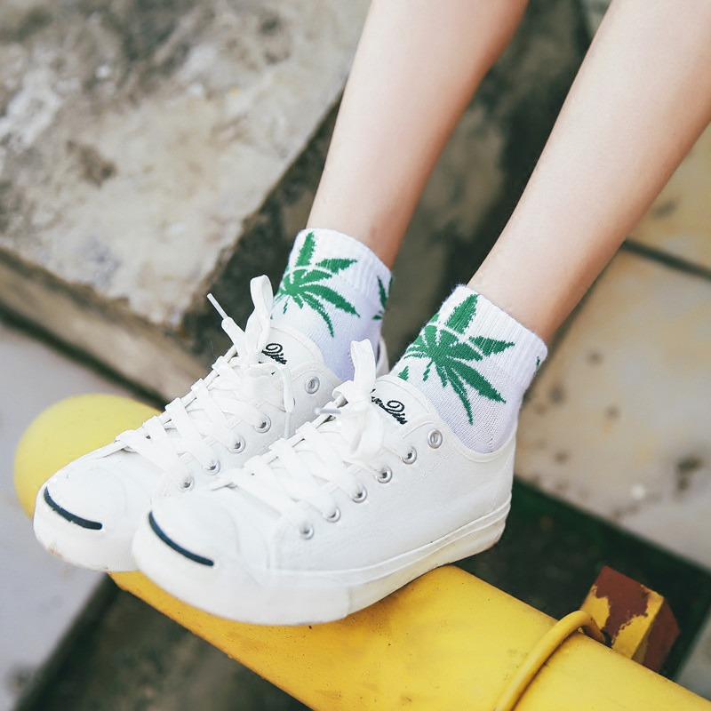 Female Cotton Leaves Print Skateboard Street Fashion Maple Leaf Hip Hop Socks Women Short Harajuku Style Stripe Socks Skarpetki