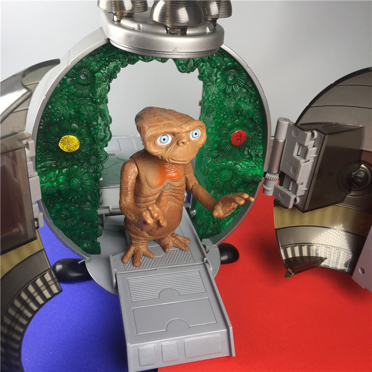 2001s Garage Kit ET Alien E.T Figure PVC Doll in Spaceship Action Figure Collectible Model Toy In Box new in box toy story spaceship command center playset nice gift