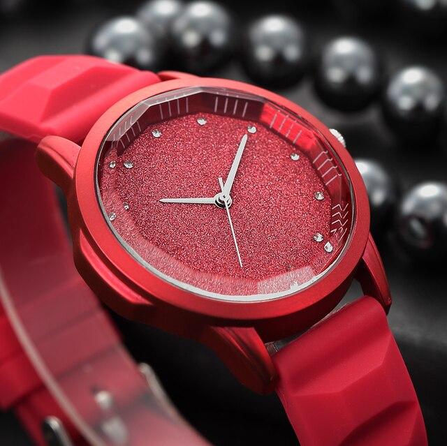 bf815d8a735 ... tonneau dial mulheres relógios de silicone macio Diamante simples  elegante RENASCIMENTO das senhoras relógios de pulso marca de quartzo- relógio vermelho