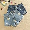 Venta caliente 2016 Nuevas Llegadas de Primavera y Verano Pantalones Cortos de Mezclilla Mujeres Margaritas Impreso Pantalones Vaqueros Cortos de Moda Lady Jeans Shorts D999